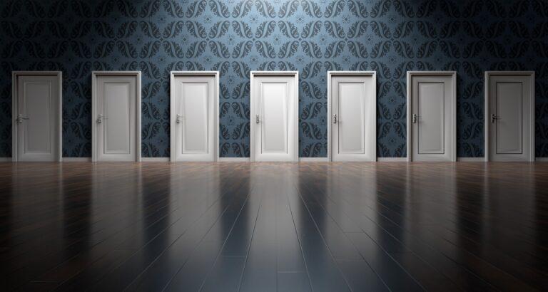 doors 1767562 1920 - Leila Navarro - Palestrante Motivacional