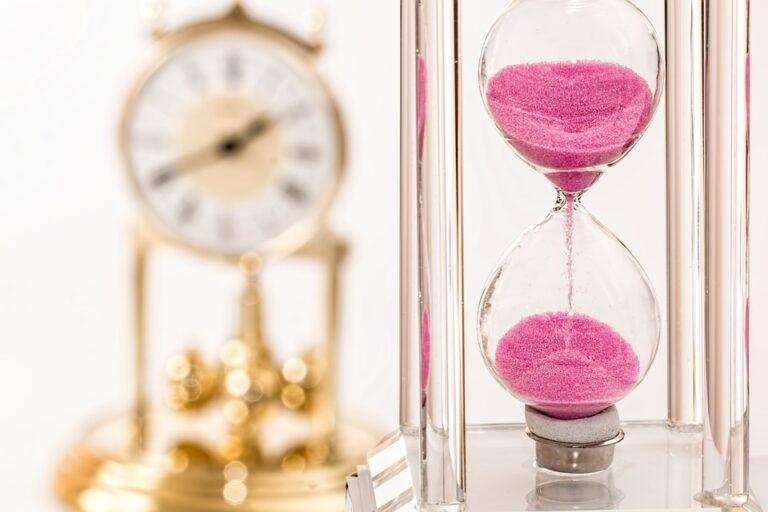 hourglass 1703330 960 720 - Leila Navarro - Palestrante Motivacional