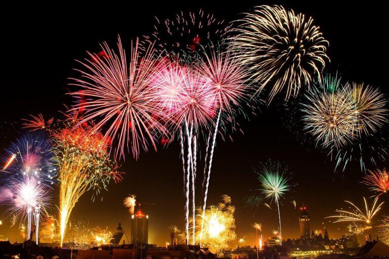new years eve 1953253 1280 - Leila Navarro - Palestrante Motivacional