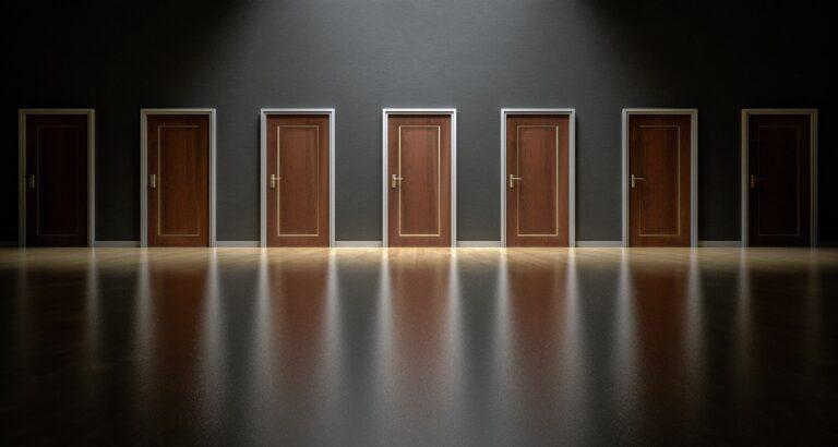 doors 1587329 1920 - Leila Navarro - Palestrante Motivacional