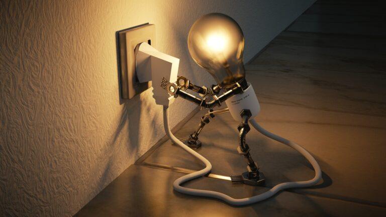 light bulb 3104355 1920 - Leila Navarro - Palestrante Motivacional